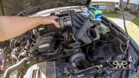 Nissan-Pathfinder-VG30e-EFI-Removal-3-of-26
