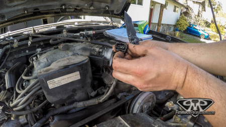 Nissan-Pathfinder-VG30e-EFI-Removal-4-of-26