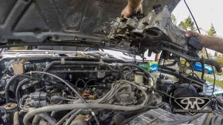 Nissan-Pathfinder-VG30e-EFI-Removal-6-of-26