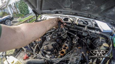 Nissan-Pathfinder-VG30e-EFI-Removal-7-of-26