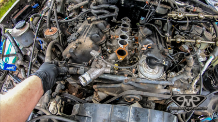 Nissan-Pathfinder-VG30e-EFI-Removal-9-of-26