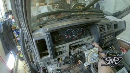 Nissan-Pathfinder-VG30i-EFI-Swap-16-of-17